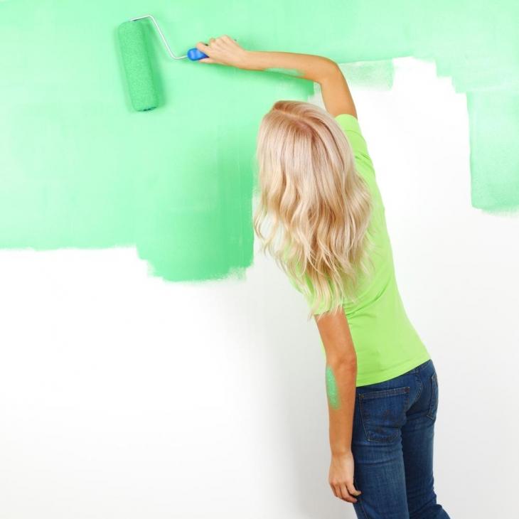 آموزش رنگ کردن دیوار با غلطک